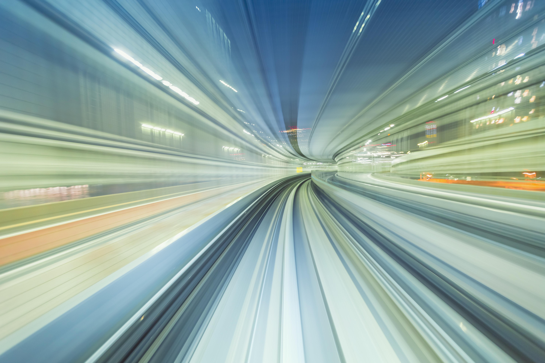 Die Auswirkungen des Klimawandels zwingen uns, ständig in Bewegung zu bleiben – ein Leben im Hyperloop.