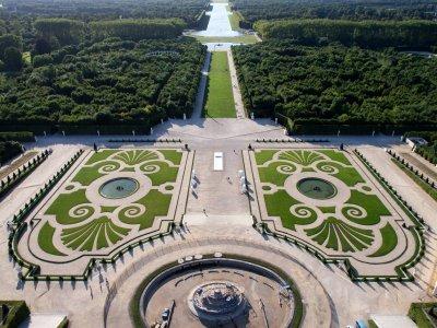 Luftaufnahme der Domäne von Versailles, Frankreich