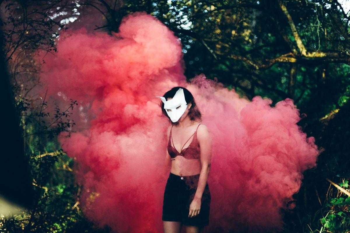 Gesichter sind austauschbar: Identitätsklau wird in Zukunft zu einem noch größeren Problem. Foto: Christal Yuen