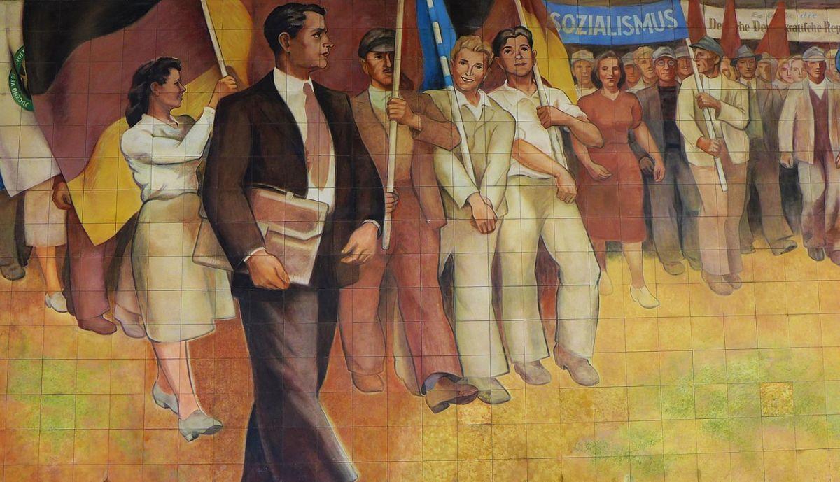 Der sogenannte Sozialistische Realismus zeichnete ein stark idealisiertes Bild vom DDR-Alltag. Foto: Sol Octobris