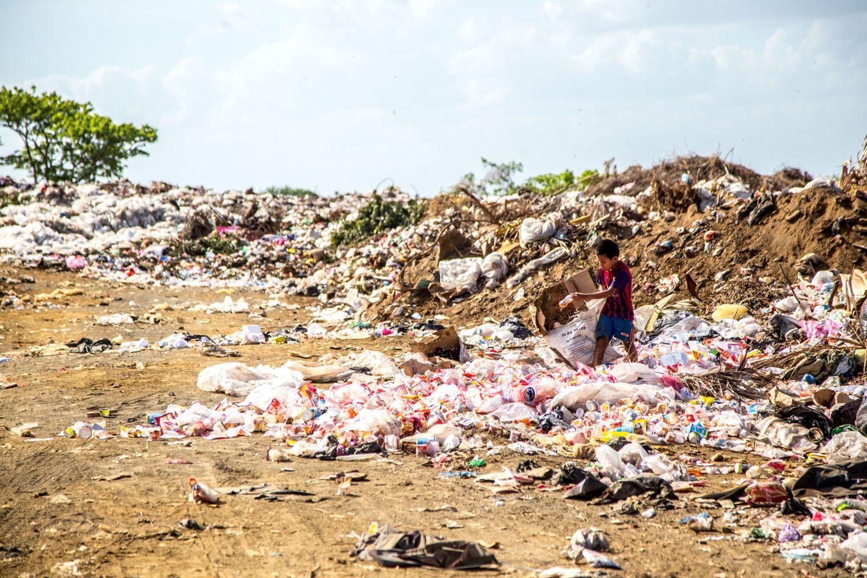In Indien wird nicht nur viel Ware für den westlichen Markt produziert, er landet dort auch wieder als Müll. Foto: Hermes Rivera