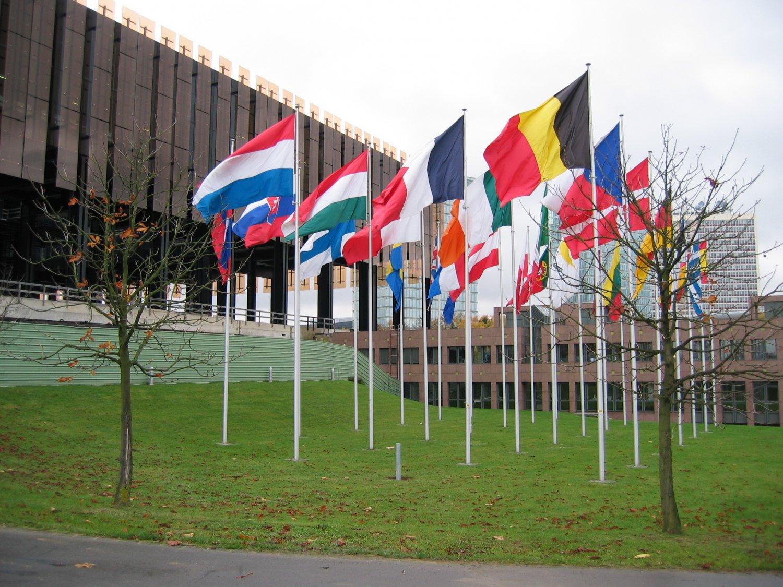 Um Verträge auf interntaionaler Ebene kümmert sich unter anderem der Europäische Gerichtshof in Luxemburg. Foto: Cédric Puisney.  Quelle: www.flickr.com/photos/puisney/1674479483