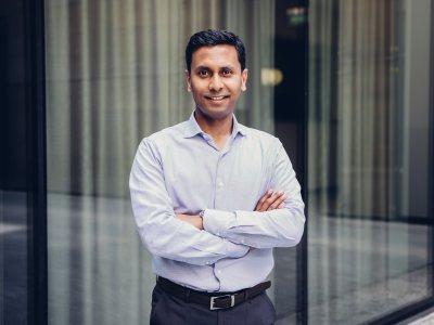 Shivaji Dasgupta hat mit Qiio Magazin über die deutsche Angst vor Technologien und KIs gesprochen. Foto: Frank Schroeder.